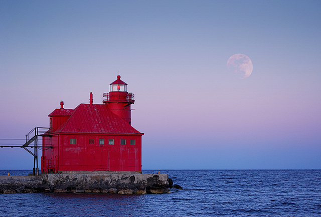 Sturgeon Bay ship canal north pier lighthouse and moonrise.