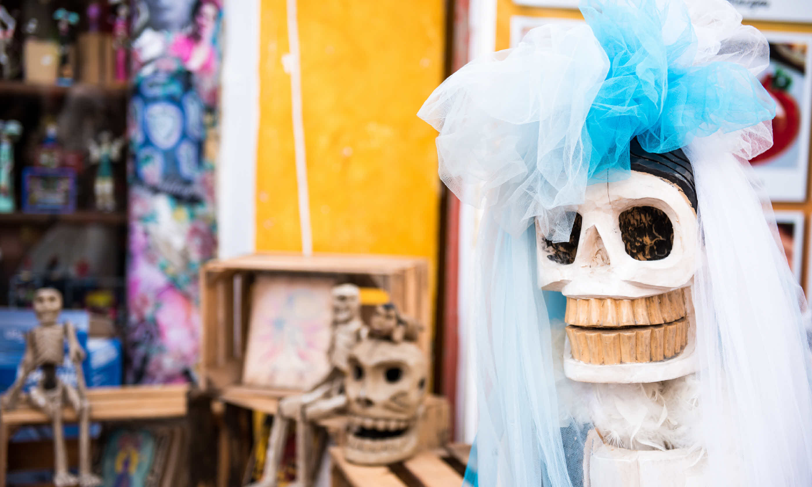 Traditional Mexican woman sculpture Catrina (Shutterstock: see credit below)