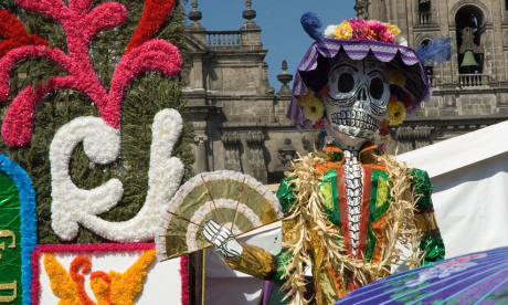 Day of the Dead displays in Mexico City (Paul Asman and Jill Lenoble)