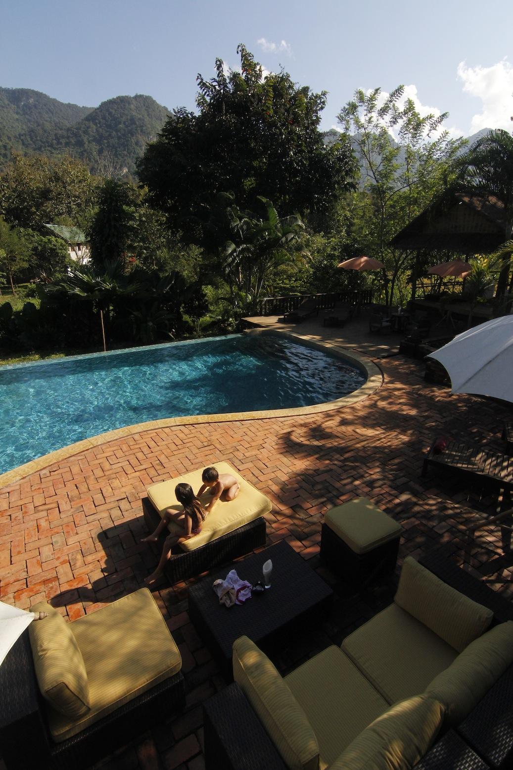 yoga retreat laos