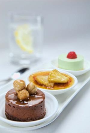 Desserts on Emirates.