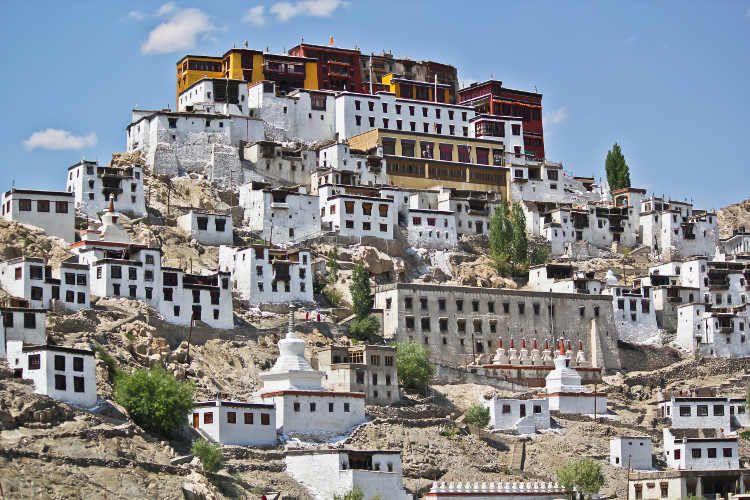 Whitewashed monastic buildings at Thiksey Gompa, Ladakh. Image by Saad Faruque / CC BY 2.0.