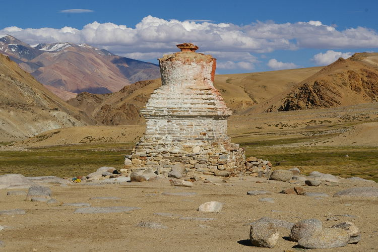 Time-worn chorten at Korzok, Ladakh. Image by Andreas' Photos / CC by-SA.